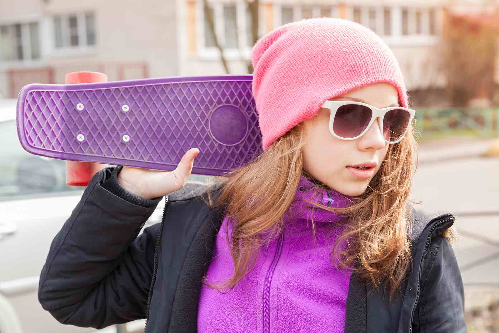 Jente med solbriller